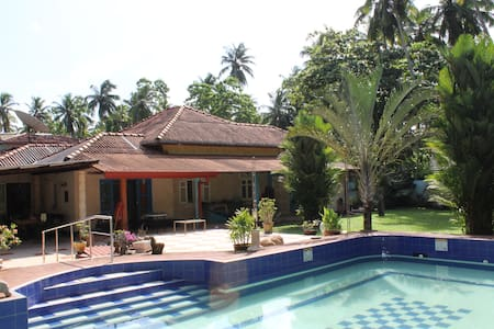 Villa Weiss - 5 minutes to beach - Aluthgama - House
