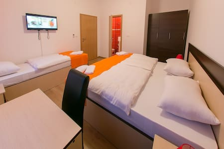 Villa Tajra Double Bed Room 3 - Mostar - Huvila