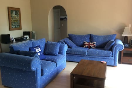 Freshwater 1 bed furnished unit - Apartment