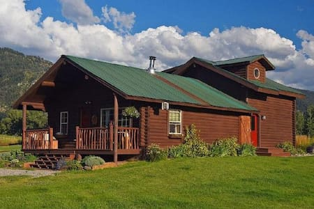 "Wonderful log house ""The Little Moose Ranch"". - Bedford - Maison"