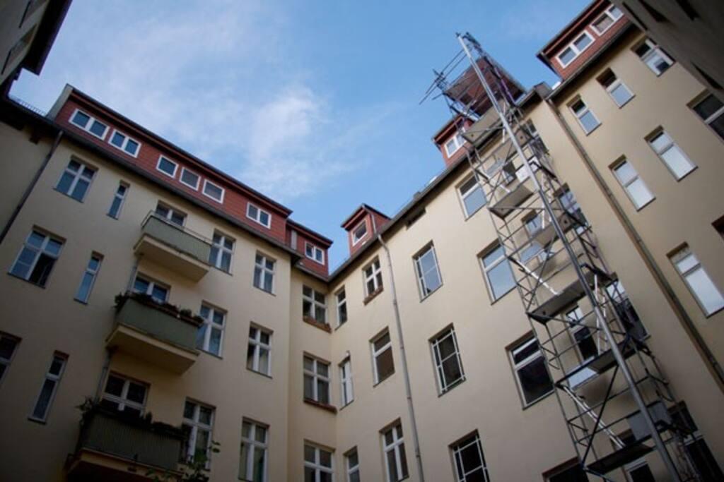 MAGIC FLAT IN THE EAST SIDE BERLIN