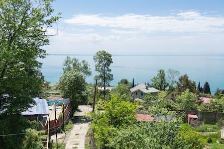 Комната 1км море Сочи, Мамайка, пляж СНТ БРИЗ - House