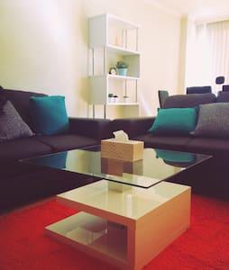 Super location 2bdr appartment CBD - Apartment