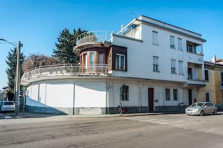 Alloggio in villa - Castellanza - Villa
