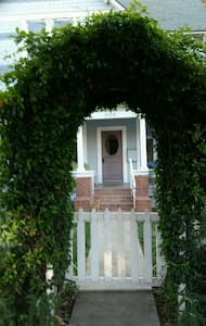 A Room (A) The Porch-1911 Victorian