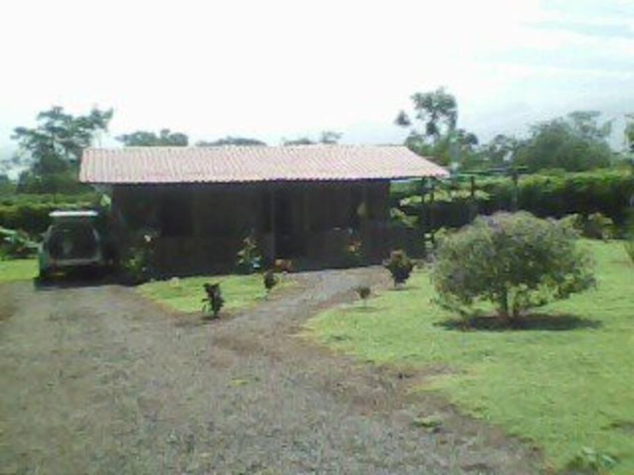 Cabaña cercanías del volcán Arenal