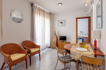 KEVIN: Attic with terrace, sea view - Sitges - Wohnung