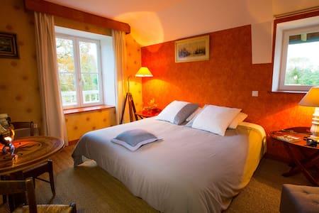 "Chambre ""Goelette"" Capitaine ! - Bed & Breakfast"