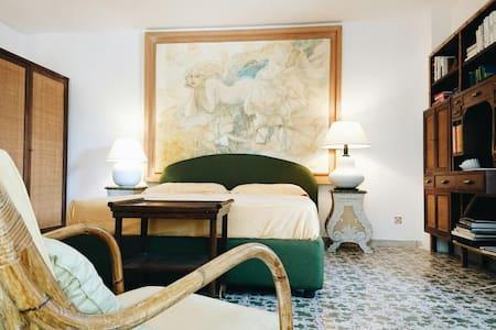 Romantic Dépendance - Apartment