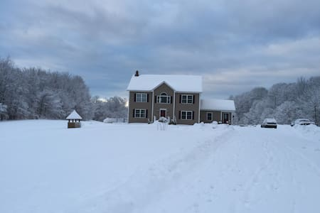Vermont home close to great skiing! - Huis