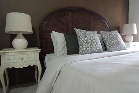Ijen Luxury Home stay, Banyuwangi - Gästhus