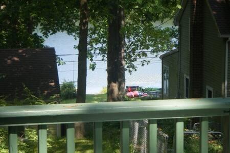 Rustic Seasonal Lake Cottage - House