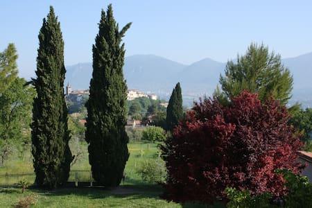 Panoramica calda accoglienza umbra - Terni - Bed & Breakfast