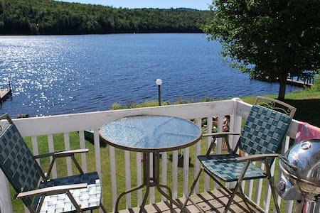 Waterfront Condo close to Skiing - Woodstock - Apartamento