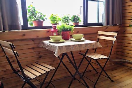 MOMO'S老洋房M10新天地站/油条配咖啡的上海慢生活 - 上海