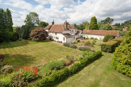 Kempes Hall - Tudor Annex - Ashford - Bed & Breakfast