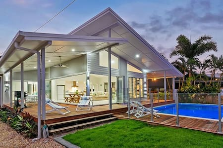 Luxury Ocean Front Home - Cairns - Rumah