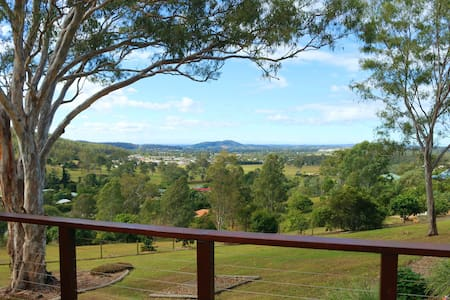 Valley View Retreat, handy to Gold Coast, Brisbane - Ev