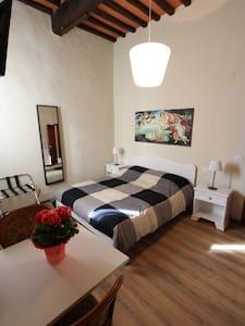"""Le camere di """"Casa Volpini"""" - Panzano In Chianti - Bed & Breakfast"""