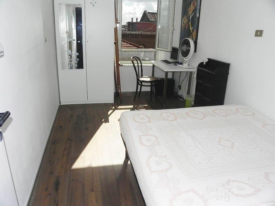 Seconda stanza - second bedroom