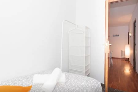 BARCELONA CENTER SINGLE ROOM - Barcellona - Appartamento