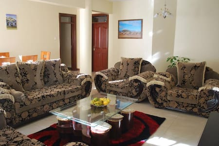 4 Bed Apartment to Let - Yaya Area