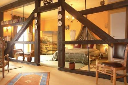 Bloomsberry Suite im Schloss   - Apartamento
