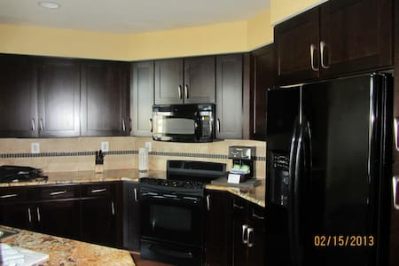 2 BD Presidential mins from DC - Apartment