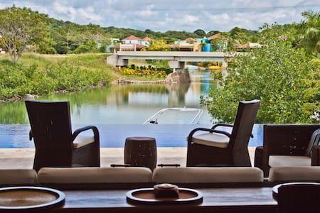 Cartes Del Mar: Caribbean Paradise  - Barú