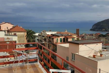 Appartam con terrazzo vista mare - Apartment