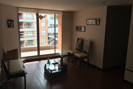 Great and cozy room in north Bogota - Daire