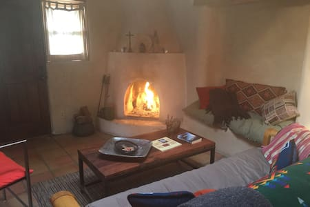 Room type: Entire home/apt Property type: House Accommodates: 2 Bedrooms: 2 Bathrooms: 1