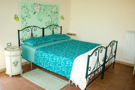 B&BVillaSerenaCollinasSPn49 km0,800 - Bed & Breakfast