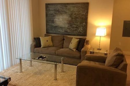 Lux 2 Bedroom Apt in Cambridge w/pool, gym, wifi - Concord - Wohnung