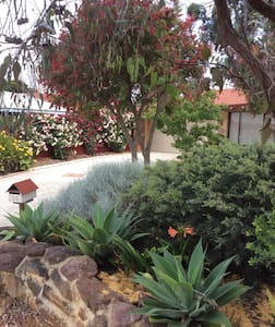 Self Contained Private Garden Villa - Greenwood