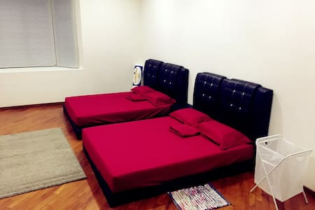 民宿家庭房 日租(只接待中国客人)空调  免费接机 - Bed & Breakfast