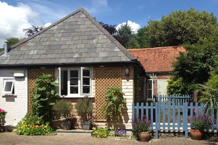 Stunning Converted Coach House  - Shaftesbury