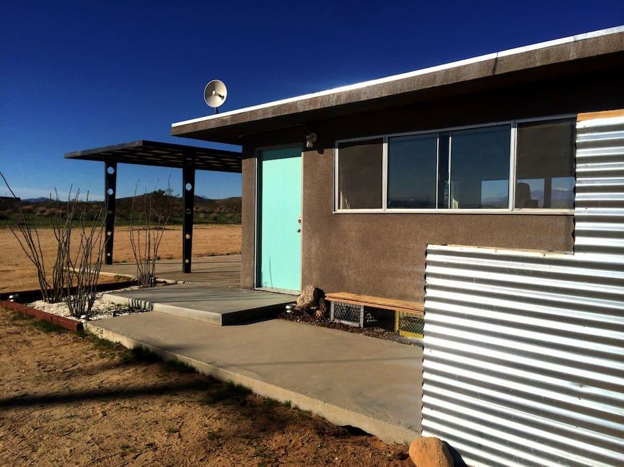 Shangri-La: Mid-Century Mod Cabin