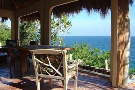 Extraordinary, magical eco-retreat overlooking the ocean!  Swim, kayak, snorkel. Tremendous views of the stars! Just one hour south of Puerto Vallarta, enjoy the beauty and peace. Comfy king-size bed; well-equipped kitchen, bath.