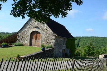 La Cormiere Gite au coeur du Quercy - Huis