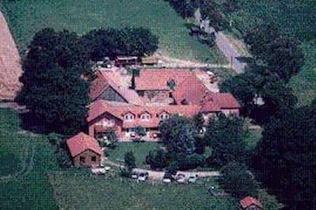 Erlebnisbauernhof Familie Wehrhoff - Pis