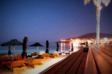 Villa in Athens,Varkiza 5 MIN TO THE BEACH! - Ev