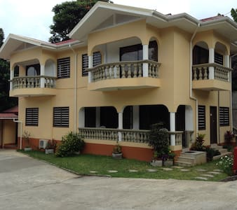 Alisee Self-Catering 1bed balcony - Anse Royale