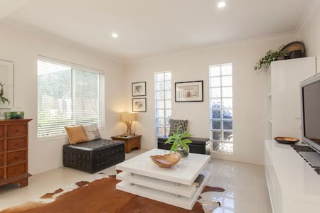 South Perth Resort Style Living - South Perth - Dom
