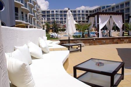 Студия( Атлантис Resort&SPA) в Сарафово, Бургас - Appartement