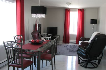 Appartement complet taxes inclu - Apartemen