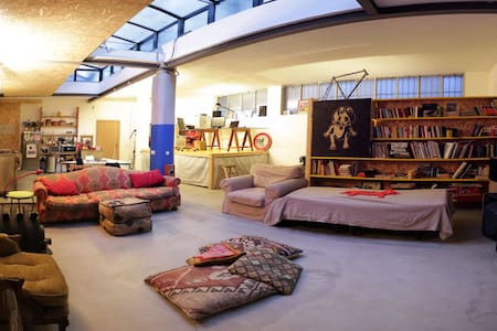 Private BEDROOM in LOFT on navigli - Milano - Loft