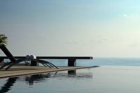 Luxury sea-view villla, 4-br, Layan