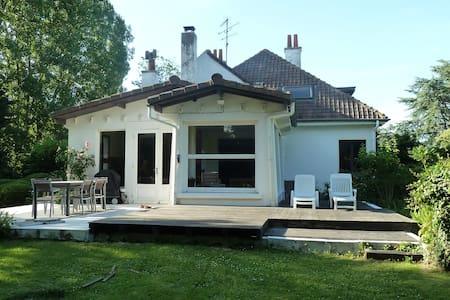 Grande maison familliale  - Casa