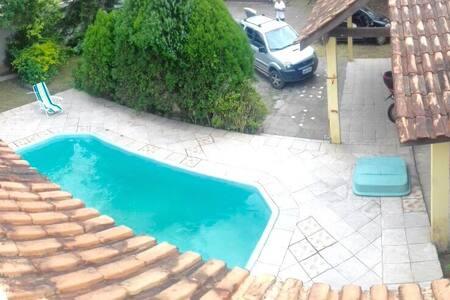 Suíte Sol - Casa Magen - Até 10 pessoas - Florianópolis